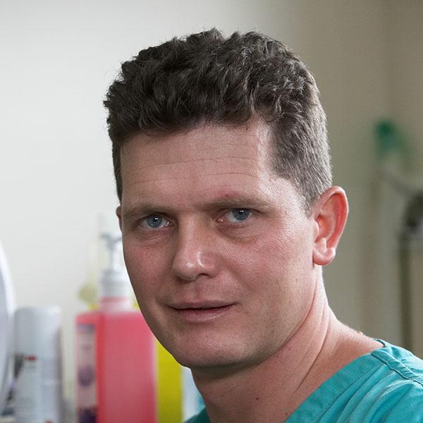 Dr Simon Thompson - referrals